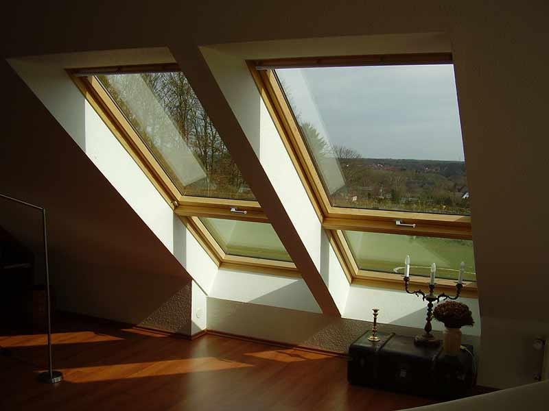 Какие мансардные окна лучше